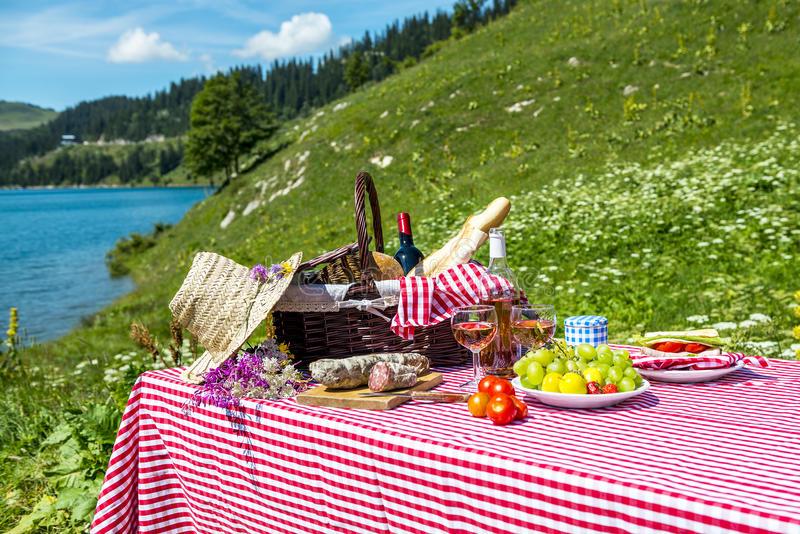 Рейтинг популярных мест отдыха на майские праздники